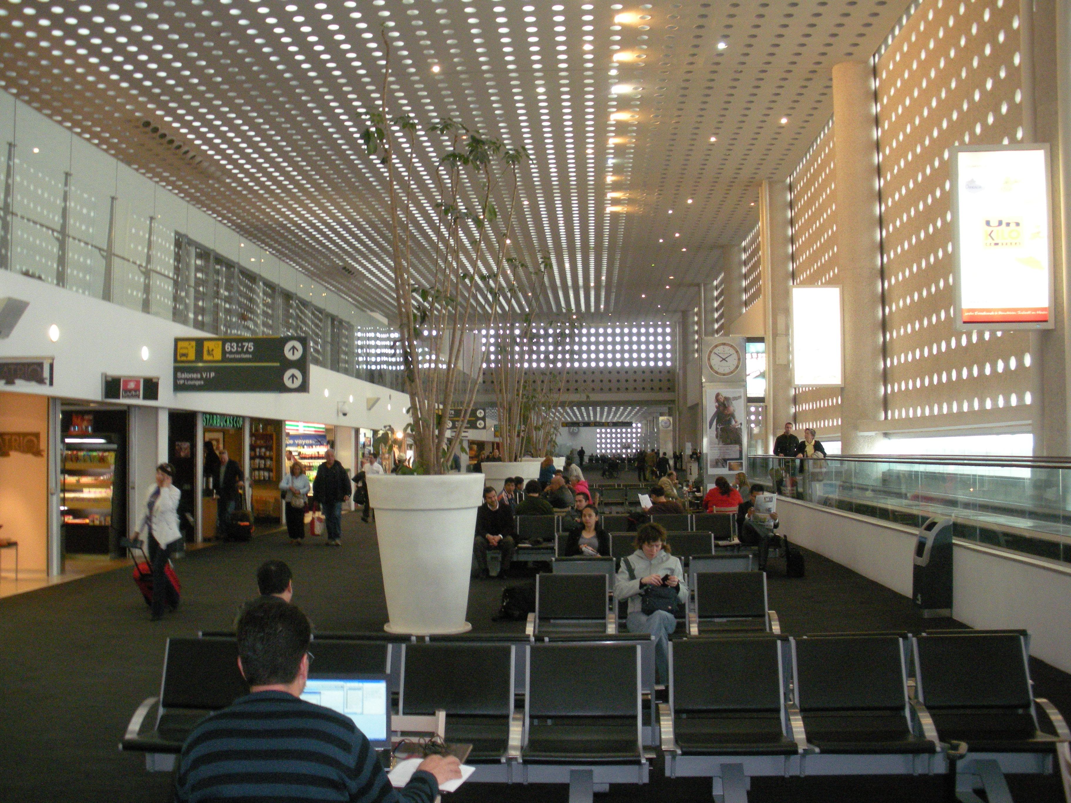 Hotel Benito Juarez Airport